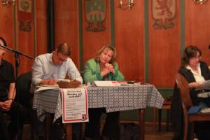 Annette Ganssmüller-Maluche, stv. Landrätin und Philipp Schwarz im Präsidium